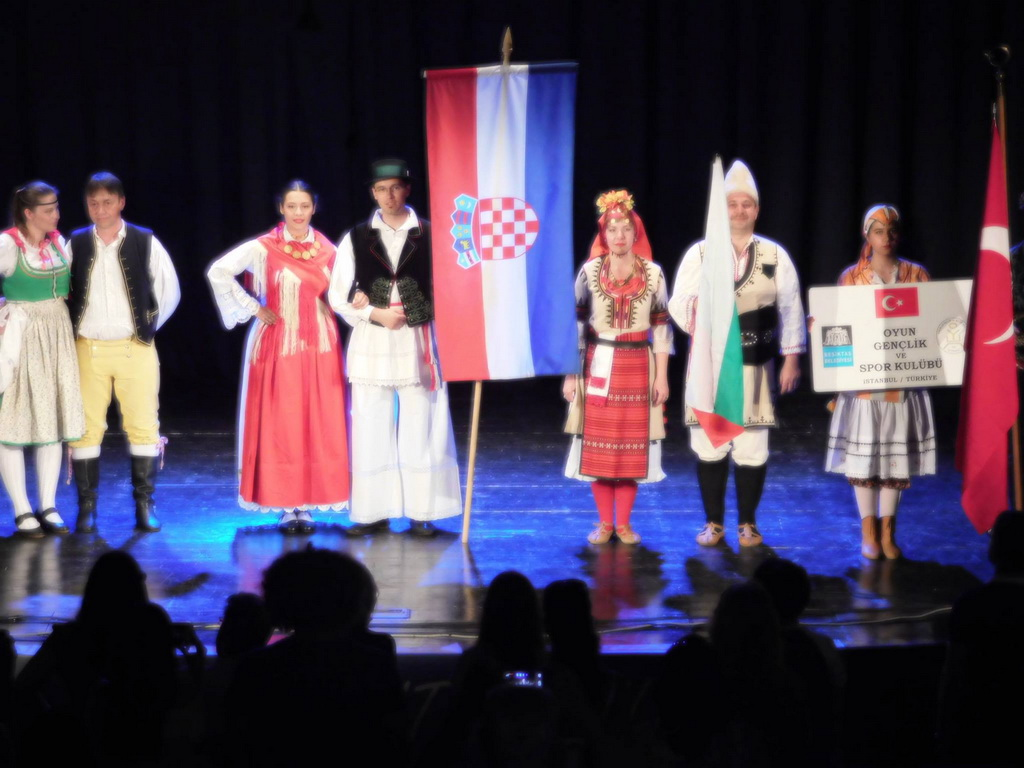 folklore and choir festival