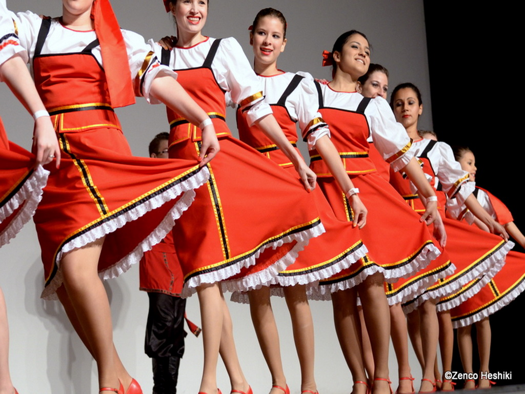 folk dance girls