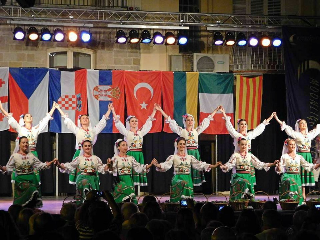 Moldova folklore group